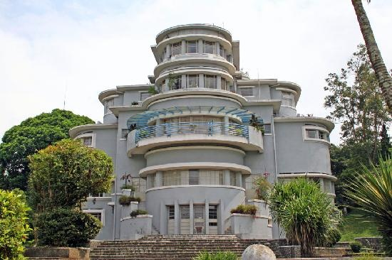 Villa Isola directly from the front