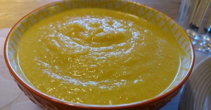 En gyllene soppa. Len, smakrik och hälsosam.    Recept:   Koka 5 morötter i bitar ca 5 min i 2 dl vatten. Lägg sedan i ett litet eller...