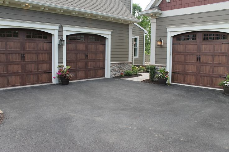 32 best ideas about 2014 street of dreams the for Side entry garage