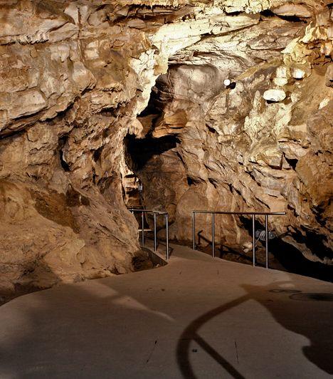 A Mecsekben található Abaligeti-barlangot egykor a világ száz csodája közé is beválogatták. 2000-ben gyógybarlanggá nyilvánították, emellett különleges meditációs és hangsétákkal várja a látogatókat.