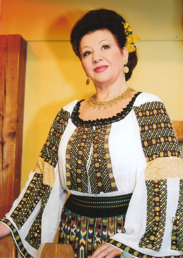 Ziua internationala a IEI - blouse roumaine - IE from Tismana, Gorj county, proudly worn by beautiful Romanian singer, POLINA MANOILA