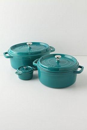 How to clean a burnt porcelain pot