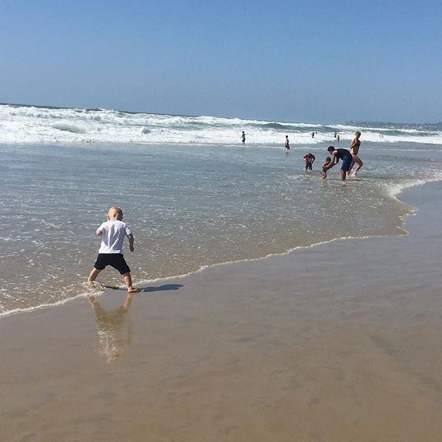 Beach dance #sandiego #california #sandiego #sandiegoconnection #sdlocals #sandiegolocals - posted by david lyon = @lyon_david @sdconnection