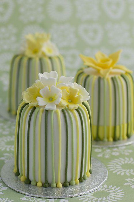 individual stripy primrose cakes