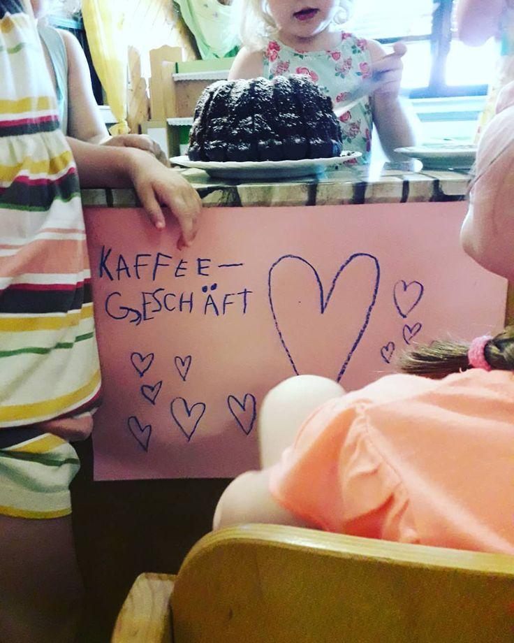 Heute waren wir Eltern zum Kaffeeklatsch in den Kindergarten eingeladen… es wa…