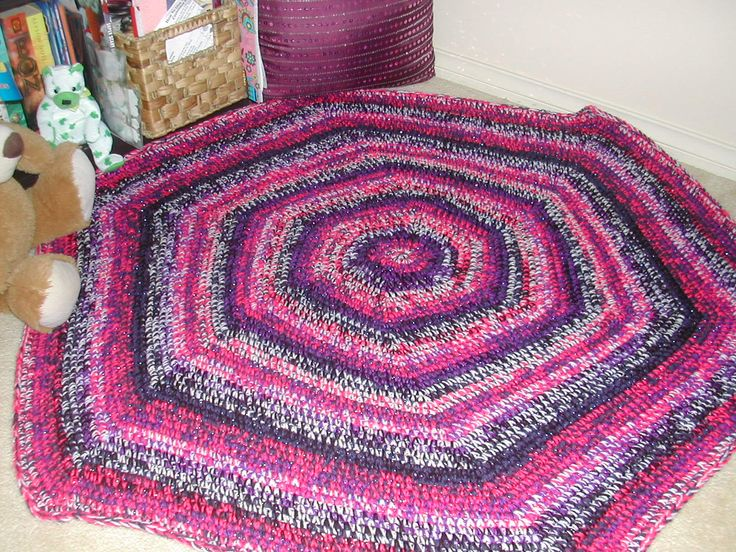 Crochet Hexagon Floor Rug for my Girl's Bedroom Reading Nook (I had a lot of leftover yarn from the 2 blankets made of each of them)