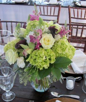 $1300  Wedding Combo D.I.Y Lovely Hydrangea, Callas, Snapdragons, Star of Bethlehem, Bells , Lisianthus, Roses The wedding D.I.Y (design it yourse...