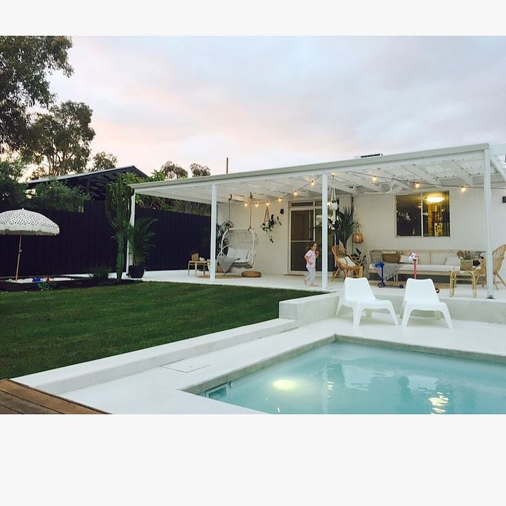 ║SUNSET STYLE║  My fav time for photos. The soft glow from all the lighting creates a warmth and homeliness for any new garden. Ohhh that pool looks so inviting!!! #beforeandafter#gardenrenovation#pooldesign#poolarea#poolside#poolvibes#summervibes#transormation#summerready#perthlandscapedesign#perthgardens#exteriorstyling#exteriordesign#exterior#outdoorslife#outdoors#aschersmithdesign#aschersmithconstruction#aschersmithconsultation @dylanlindsay79 @ian_helliwell_21_ @mikemillsy