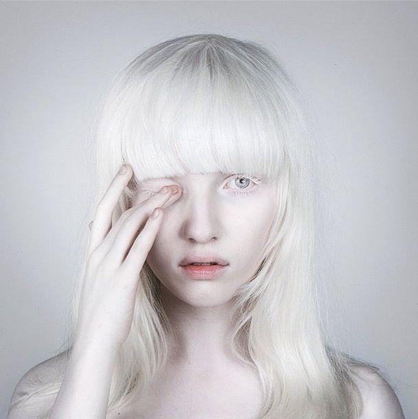 die besten 25 wei es haar ideen auf pinterest gebleichtes blondes haar bob schnitte f r. Black Bedroom Furniture Sets. Home Design Ideas
