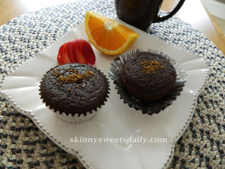 Healthy Low Fat Gluten Free Chocolate Muffins - made with garbanzo beans in lieu of flower - only 2 WW points plus!  from skinnysweetsdaily.com site