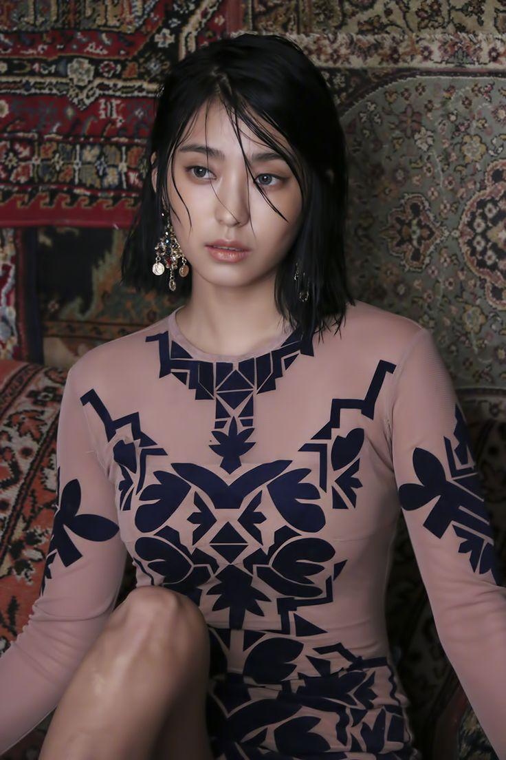 Sistar 4th mini album 'Insane Love' jacket photoshoot. Bora
