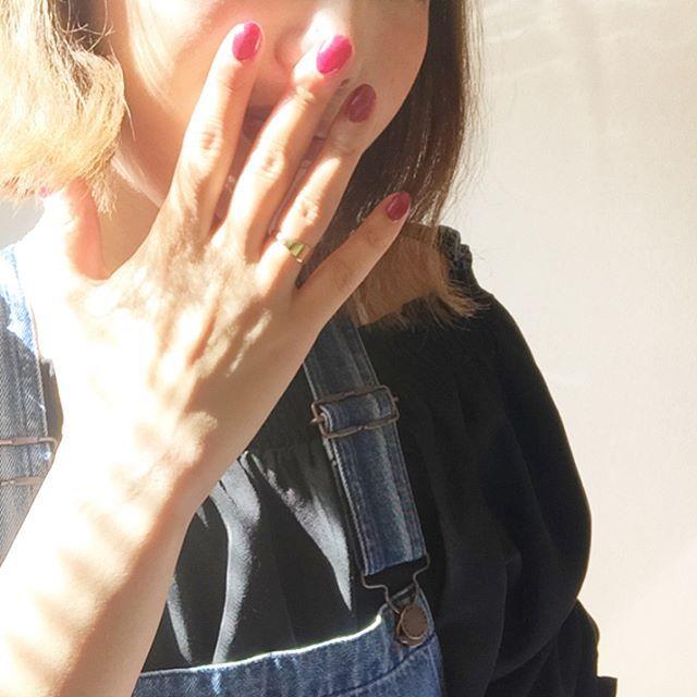 #今日の服 👗 2.3枚目参照👐 ✳︎ #サロペット #GU トップス#discoat ✳︎ ✳︎ オフショルとサロペットってなんでこんなにかわいーのか🙄 安定の組み合わせ🤤💕💕 ✳︎ ✳︎ ネイルをローズピンクにしました😋 ジェルを混ぜ混ぜして、まあまあ納得な色までもってけて満足です😋💕 ✳︎ ✳︎ 今からZARAのアプリガン見します🤤💓💓← ✳︎ #プチプラコーデ#164cm#ロカリ#ママコーデ#ママファッション#ママコーデ#ponte_fashion#mamagirl#ママガール#handm#ローリーズファーム#zara#ungrid#しまむら#しまパト#アベイル#ユニクロ#ジーユー#rodeocrowns#todayful#大人カジュアル#カジュアル#shopstaff#オフショル #ハーフアップアレンジ #セルフネイル#ジェルネイル