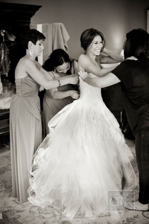 love this shot & her dress