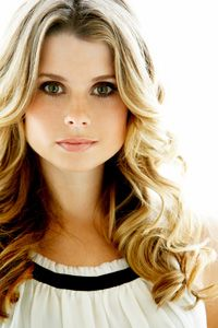 Joanna Garcia #actress #Reba Birthday	August 10, 1979 Birth Sign	Leo