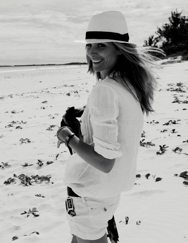www.soshevo.com - We love this look! Soshevo approved! Follow this board for more great beach fashion ideas. #beach #fashion #womens #style #summer #trend #clothes #inspiration #vacation #holiday #Swimwear #hat #shirt