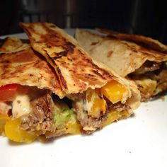 """""""21 Day Fix: Spicy steak fajita wrap. I used Bolthouse salsa ranch and Chipotle tobasco, and sautéed peppers and onions wirh steak. A little guac. So good! 21 Day…"""""""