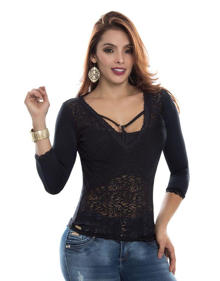 Blusa  BL-4050-NG Tenemos novedades en blusas dama.  Todos los modelos disponibles en: https://jeanspitbull.com/catalogo-de-blusas-y-tops  #vestidos #dress #dama #figura #modalatina #modamujer #modadama #novedades #newcollecion  #ventasonline #modamedellin #fashion #cool