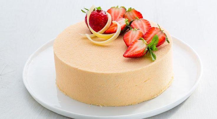 Торт Клубника-базилик-ваниль