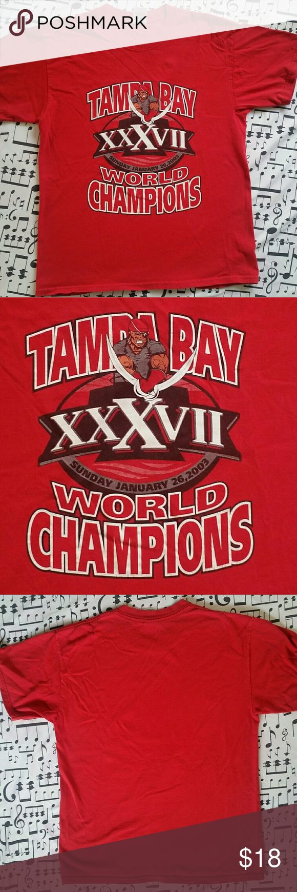 TAMPA BAY BUCCANEERS Tshirt SUPER BOWL 37 CHAMPIONS 2003 Old School Pirate Logo Great Condition Size L Shirts Tees - Short Sleeve