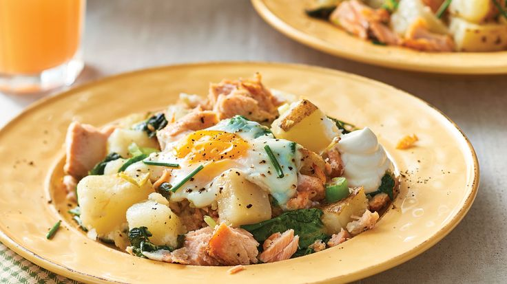 Oven Baked Eggs with Salmon-Spinach Hash