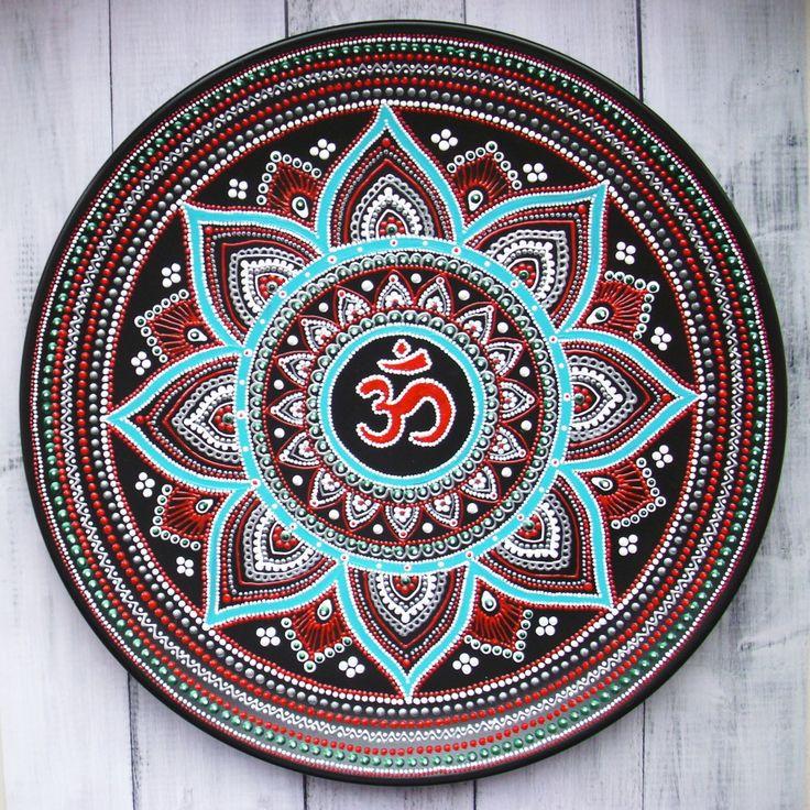 Керамическая декоративная тарелка в буддийском стиле Ом в лотосе ручной работы. Необычный подарок на свадьбу или памятное торжество. Доставка по России и СНГ
