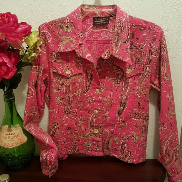 SALE 🍁 Gorgeous coral/pink paisley blazer Stunningly beautiful colors of this light weight jacket/blazer!  Small sequence & beading detail around top front of jacket. A few beads are missing on one side, but couldn't tell unless pointed out. Light green/clear plastic buttons with pockets. Great for anytime, anywhere!  97% cotton & 3% lycra. Made in India New Identity Jackets & Coats Blazers