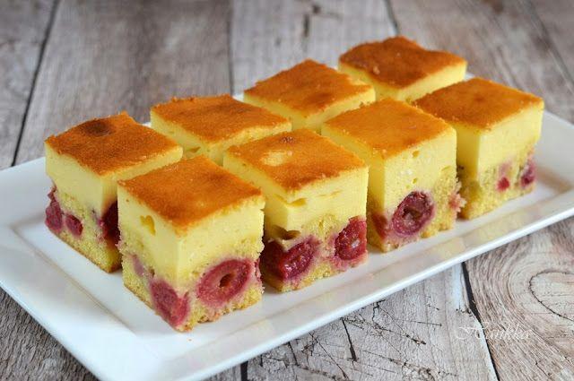 Hankka: Tejfölös-meggyes pite