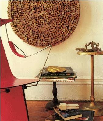 Curiosità dal mondo del vino e dintorni  - Elemento decorativo da parete con tappi in sughero -