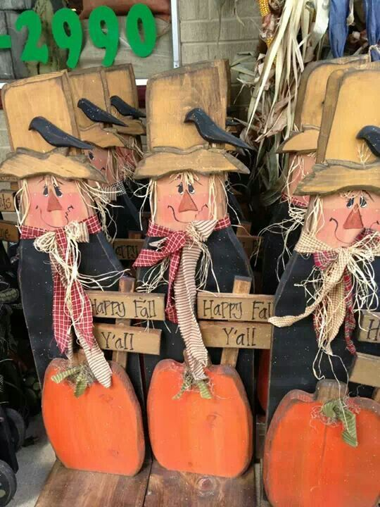 Wood craft scarecrow