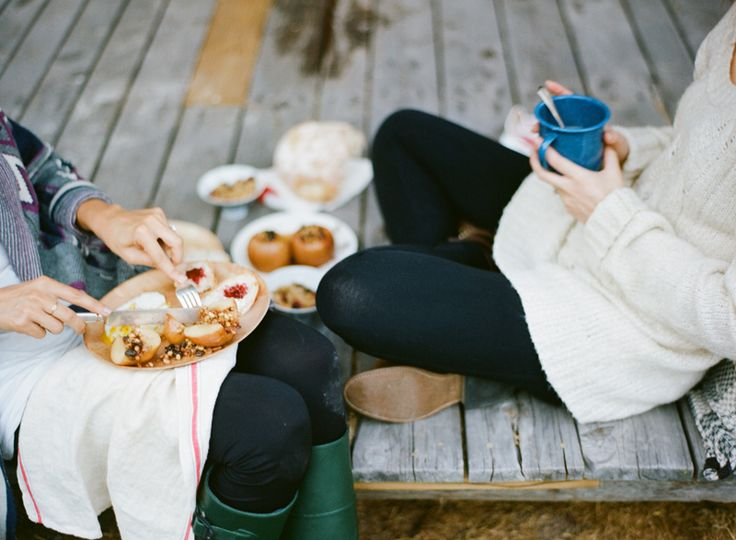 conversation & treats with friends // leggings // oversized jumpers