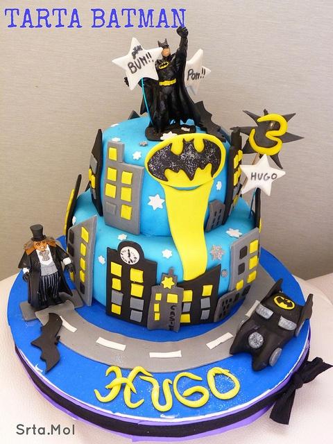 Batman cake Batsignal Batmobile