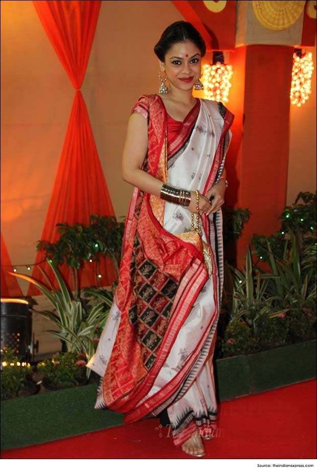 Bengali Saree Draping Style. Most Popular Saree Draping Styles - Do it Yourself Guide