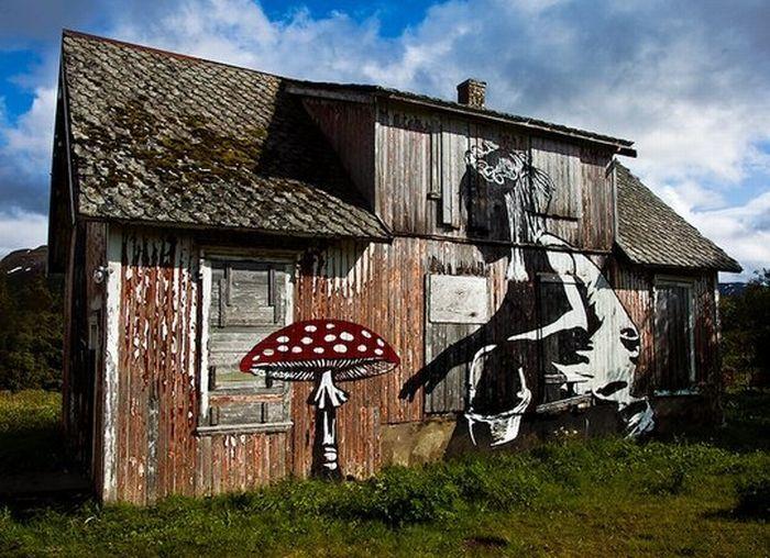 Eat meBarns Art, Street Art Utopia, Alice In Wonderland, Amazing Street Art, Blog Design, Cubbies House, Abandoned House, Old Barns, Streetart