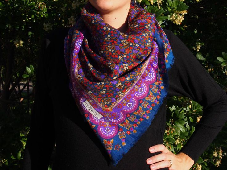 Shawl scarf pashmina VINTAGE retro slavic flowers style -  PURPLE colour -  from Eastern Europe - russian style di LovingBalkans su Etsy