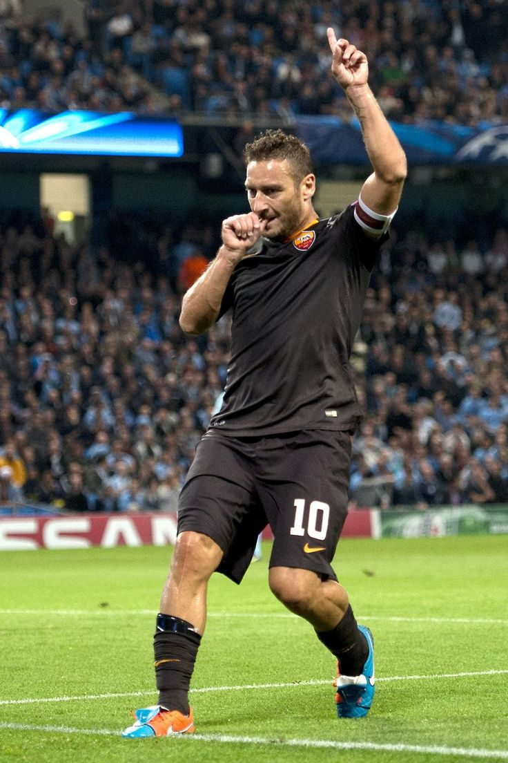The oldest goalscorer ever in #UEFAChampionsLeague, plus Totti did it with style!