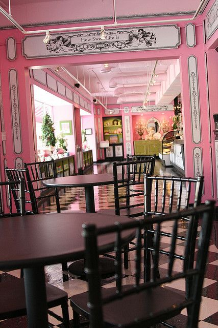 Sugar baby's cupcake boutique! This would be my dream job to own :)