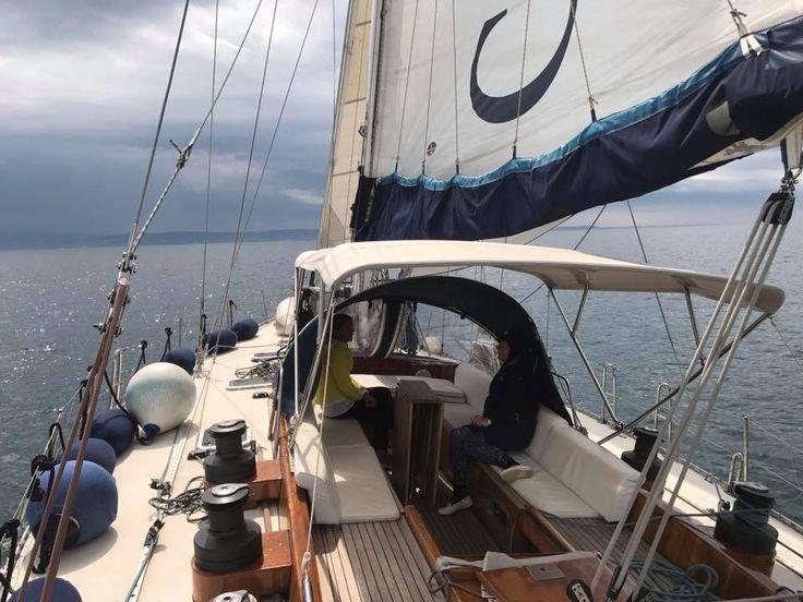 Navigazione a bordo della King Arawak 58' con gli allievi/e per la tradizionale crociera /scuola vela pasquale in Istria