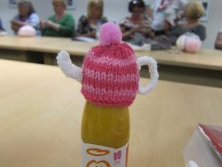 Glasgow Fort Stitch 'N' Bitch: Teapot hat by Caroline #theBigKnit