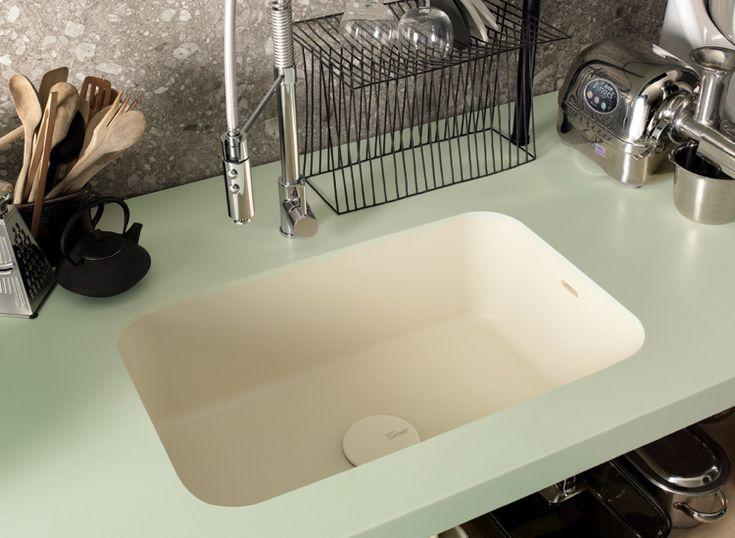 Arbeitsplatte Corian Küche Dupont Pastellfarbe Creme Pastellgrün  Küchenutensilien Professionell #wohnideenkuche #kitchen #DuPont #