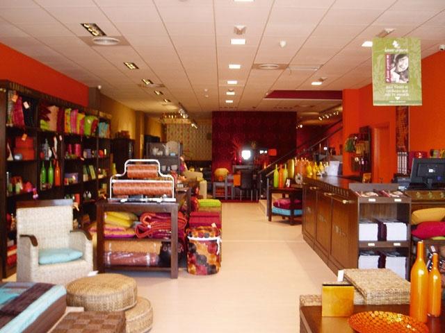 """tienda de segunda mano de muebles en perfecto estado, muebles banak...""""compramos lo que no quieres, vendemos lo que necesitas"""" www.mallstreet.es"""