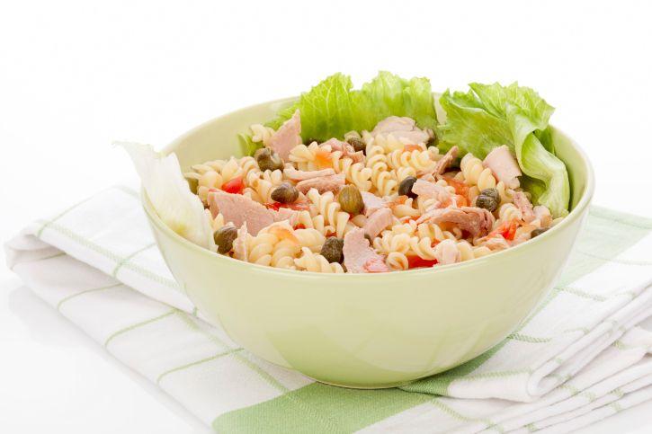 Incearca si tu aceasta salata de paste cu ton! Iata de ce ingrediente ai nevoie!