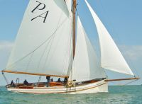 Classic yachts for sale. Motor boats and yachts for sale. Power boats, sailing b…