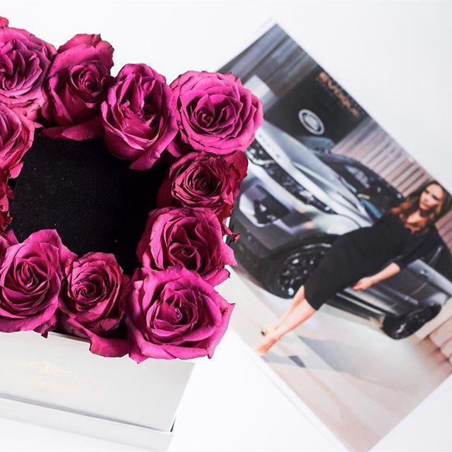 Jaký dárek dostane slečna v našem flowerboxu - že by klíčky od nového auta?#valentyn #kvetinarstvipraha #carspotting  #autocz #ruze #czech_world #pragueboy #dorucenikvetin #dorucenikvetinpraha #czechfitness #czechrepublic #czechgirl #czech_insta #glamourflowers #czech #czechgirls #czechcouple #zlasky #czechrepublic #kvetiny #prague #flowershopprague #darek #cz #rangerover #czechmodel #flowerspraha #flowersdeliveryprague  #czechfittnespeople #czechfashion #auto