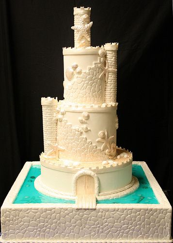 Sand Castle- Beach Theme- Wedding Cake- the cake zone- seriously where was this cake 5 years ago when was looking at wedding cakes?