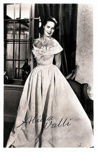 Alida Valli (nata Alida Maria von Altenburger von Markenstein und Frauenberg; Pola, 31 maggio 1921 – Roma, 22 aprile 2006) è stata un'attrice    #TuscanyAgriturismoGiratola