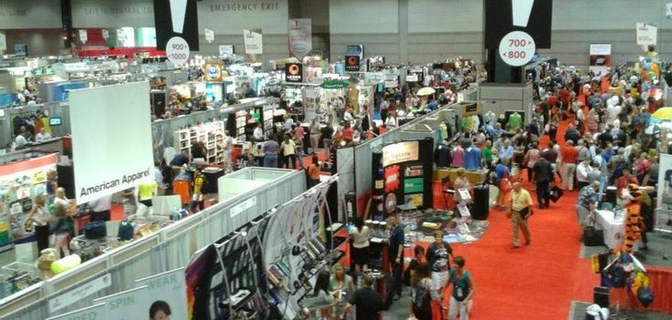 Stand Out at a Trade Show and Attract Visitors
