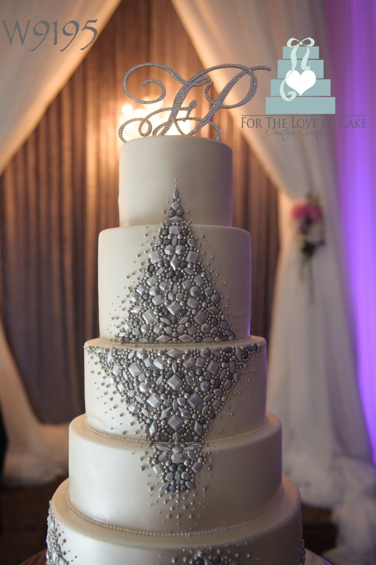Jewelled Wedding Cake The Silver Jewels On This Were Made Hand One