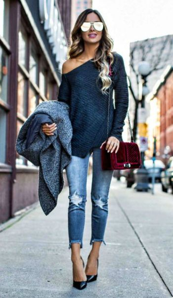 Maria Vizuete + velvet + less forthcoming way here + subtlety of this look + equally successful + velvet bag + add the touch of femininity + look that you crave!  Sweater: Free People, Coat: H&M, Jeans: Express, Bag: Rebecca Minkoff.