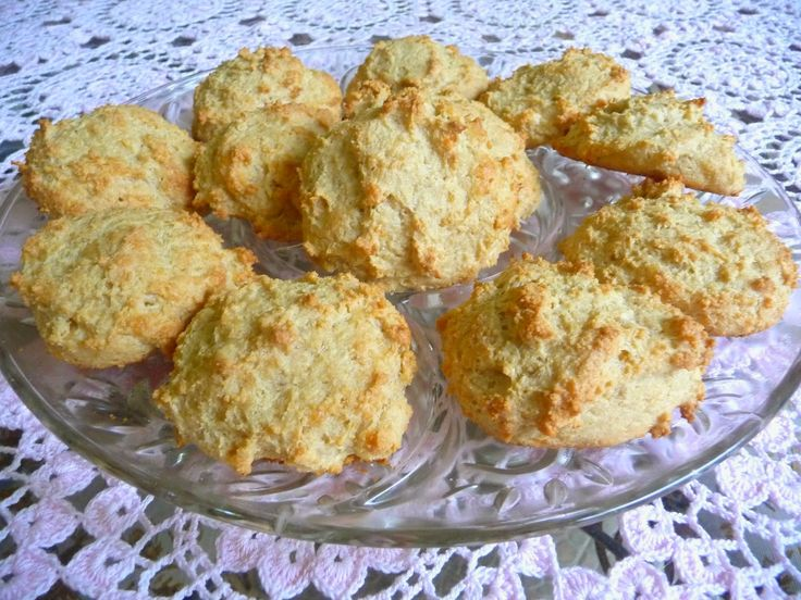 SPLENDID LOW-CARBING BY JENNIFER ELOFF: MOZZARELLA CHEESE BISCUITS AND SCONES