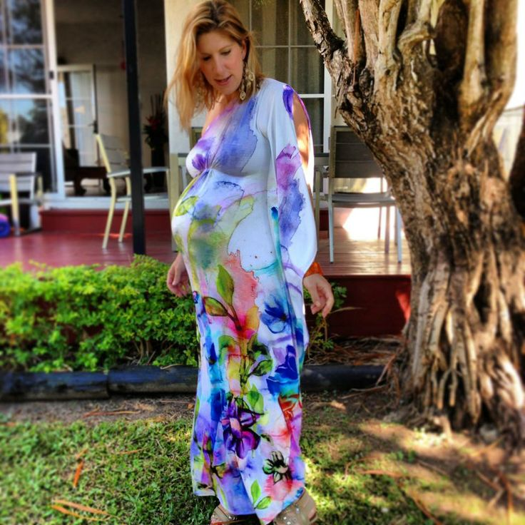 Only a week from her due date and Rachelle still looked stunning in the Magic Garden maternity kaftan. You can borrow it here: www.frocksformama.com.au
